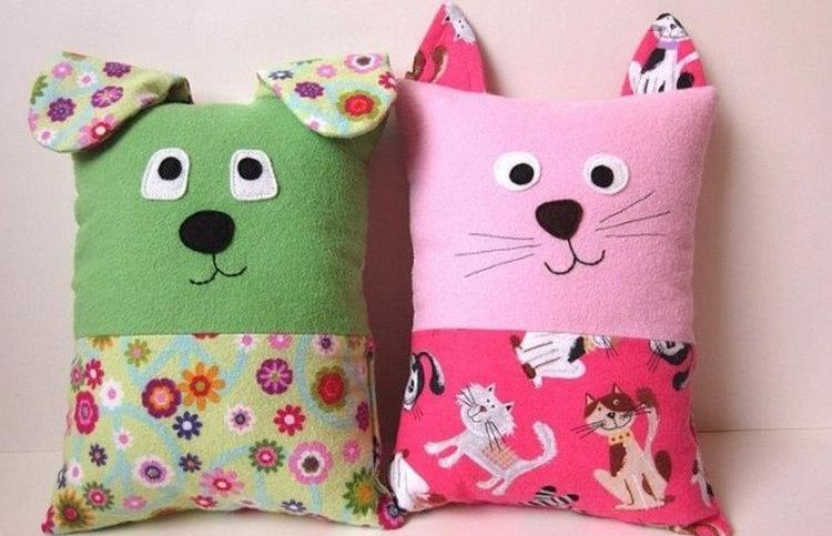 Кошки-подушки