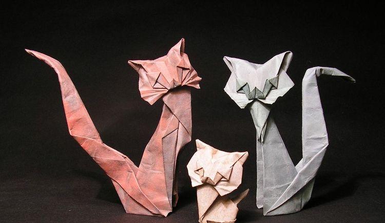 Кошка из бумаги