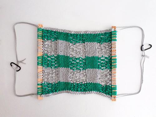 Плетеный гамак на каркасе