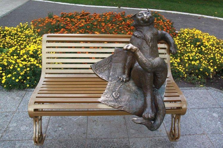 Памятник Ешкиному коту в Йошкар Оле